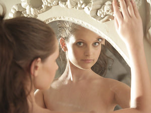 21Naturals - Liona Levi - Reflection