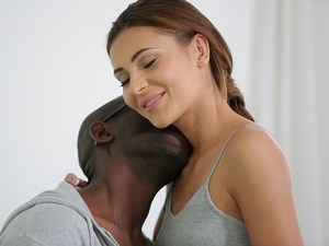 21Naturals - Alexis Brill - Shades of Black