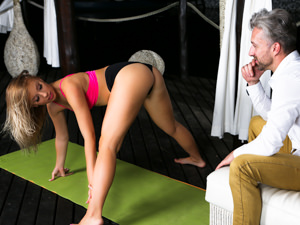 AssHoleFever - Kira Thorn,Lutro - Stress Relief