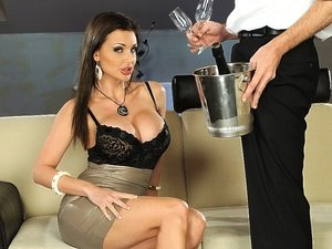 AlettaOceanEmpire - Aletta Ocean - In the VIP
