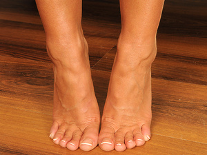 FootsieBabes - Christina Bella - Christina's Heavenly Feet