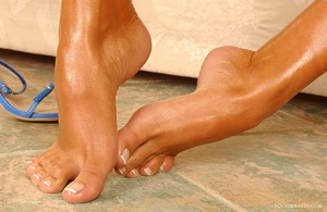 FootsieBabes - Anetta Keys - Perfect shapes