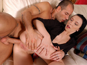 GapeLand - Lina - Anal training of Lina