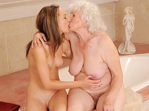 OldYoungLesbianLove - Norma,Vicky Braun - Fresh from the shower...